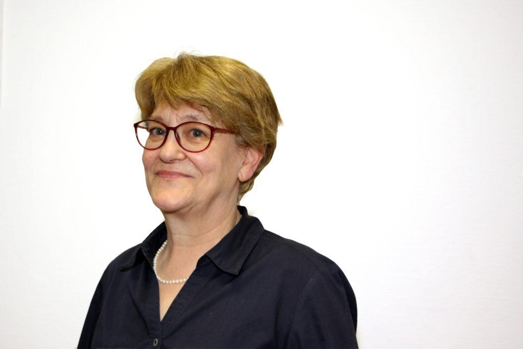 Pharmazeutisch-kaufmännische Angestellte und Bürokraft Silvia Weiler